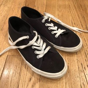 Black old navy shoes